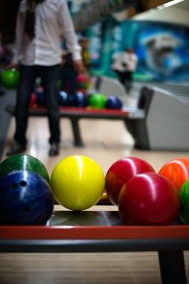 Cute Date Ideas - Bowling
